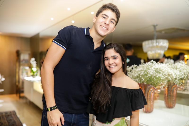 Joao Moreira e Rafaela Gurgel