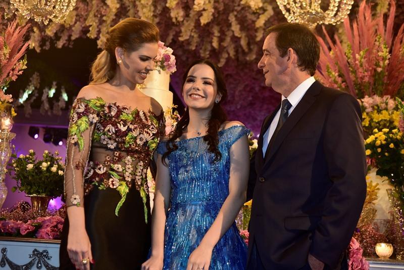 Marila, Julia e Orlando Pontes