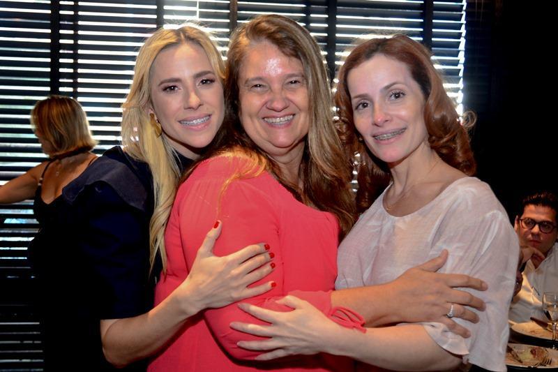 Martinha Freire, Safira Moreira e Renata Freire
