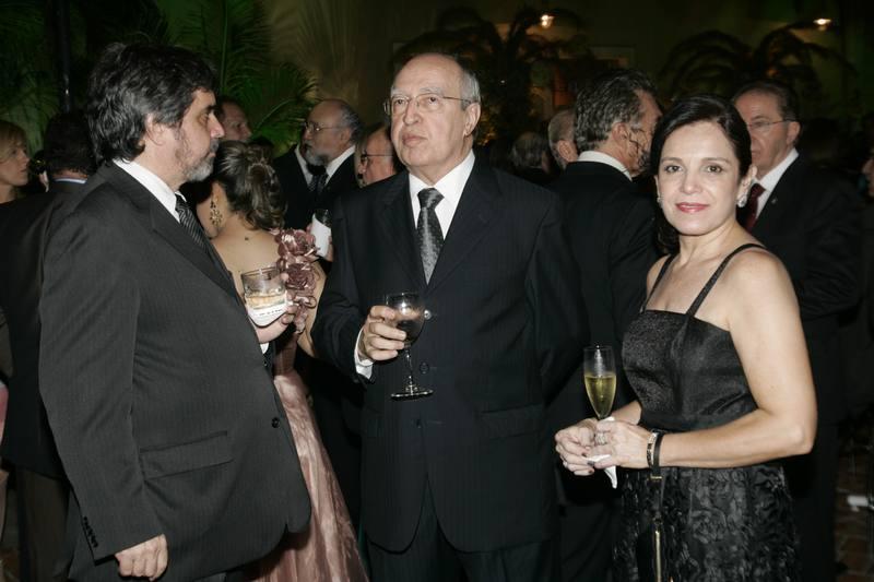 Lucio Alcantara com Totonho e Eluza Laprovitera