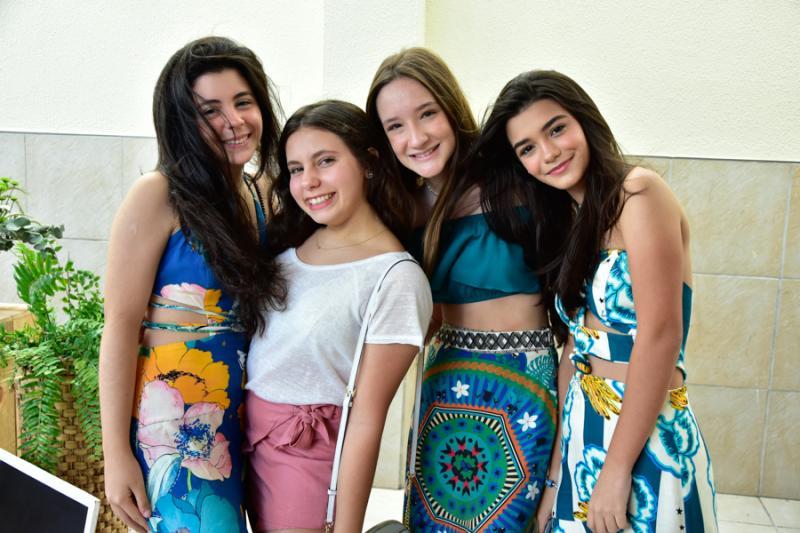 Valentina Marinho, Virnea Diorgenes, Sofia Matos e Gabriela Rattacas