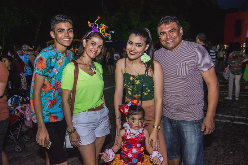 Valber Filho, Glauciane Nobre, Gabriela Fernandes e Valentina Fernandes, Valber Lima