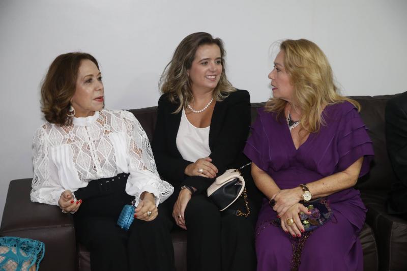 Ana Alcantara, Renata Vasconcelos e Ines Cals