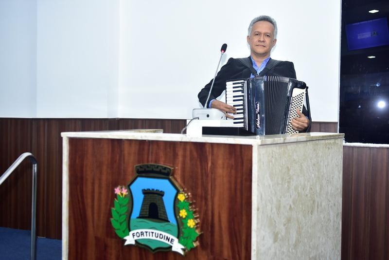 Adelson Viana