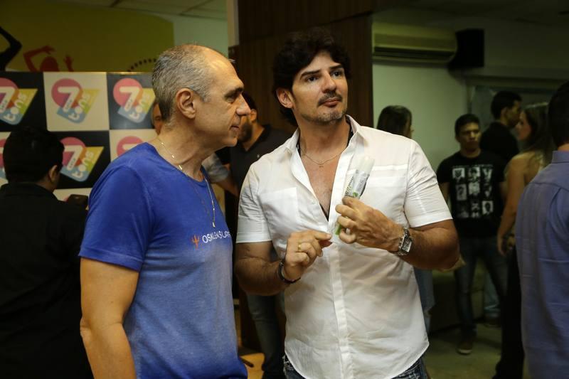 Douglas Santos e Fabio Fernandes