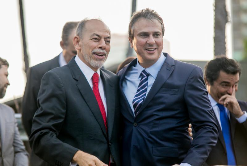 Inacio Arruda e Camilo Santana