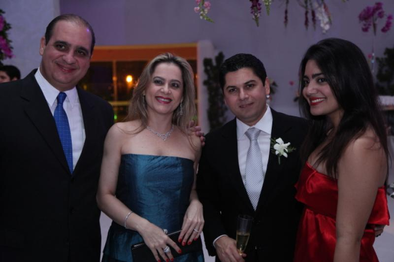 Walder, Cristiane e Carolina Ary com Pompeu Vasconcelos