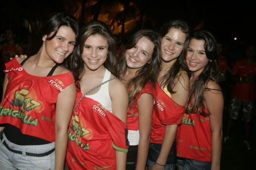 Raquel e Yasmin Nobre, Mariana Farias, Lina Floriano e Julia Farias