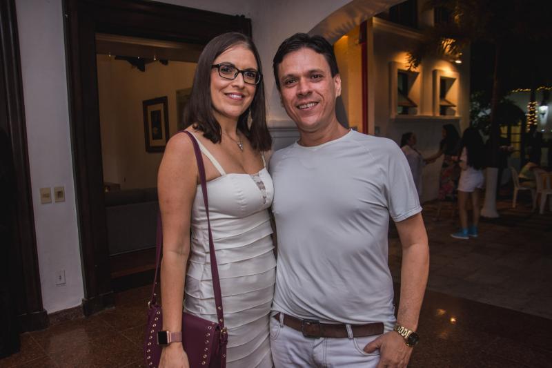Karla Targino e Vanzoline Martins