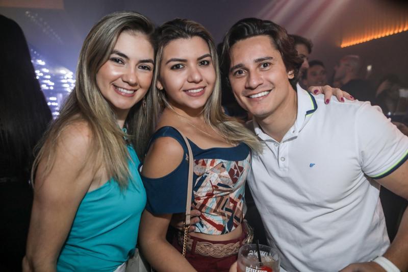 Denise Feijao, Ivia Brilhante e Leo Medeiros