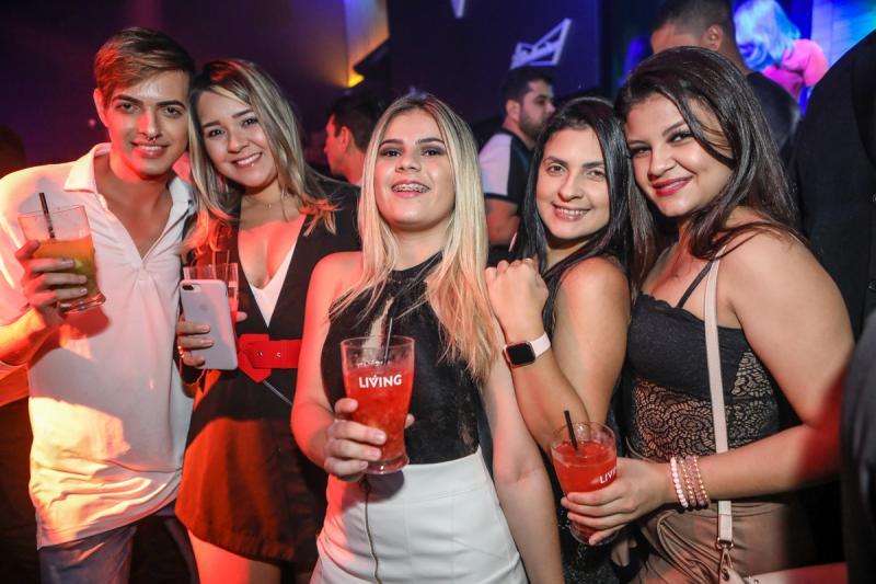 Tiago Farias, Flavia Costa, Duda Sousa, Juliane Batista e Bianca Alves