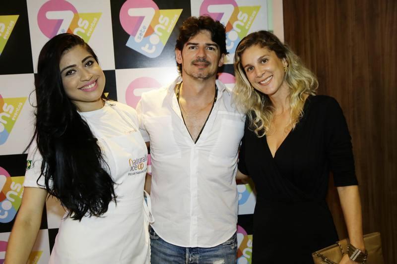 Karen Costa, Fabio Fernandes e July Oliveira