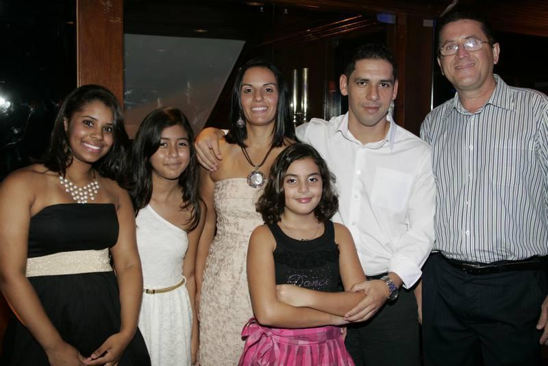 Marina Perez, Julia Nunes, Ana Paula, Manuela Perez, Luiz Carlos Junior e Melquiades Sales