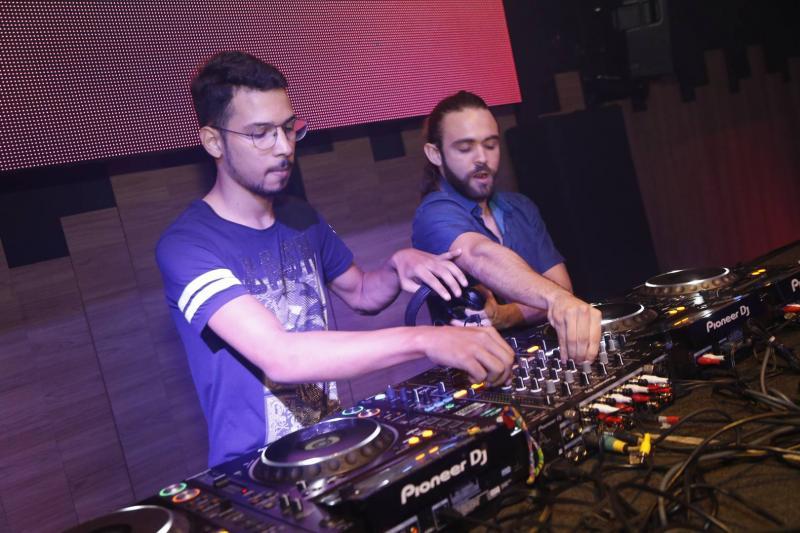 DJs Otavio Lucas e Gabriel Albu 1