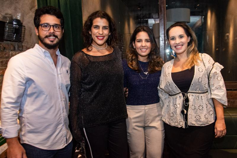 Rafael Fujita, Andrea Cardoso, Marcela Abreu e Priscilla Veras
