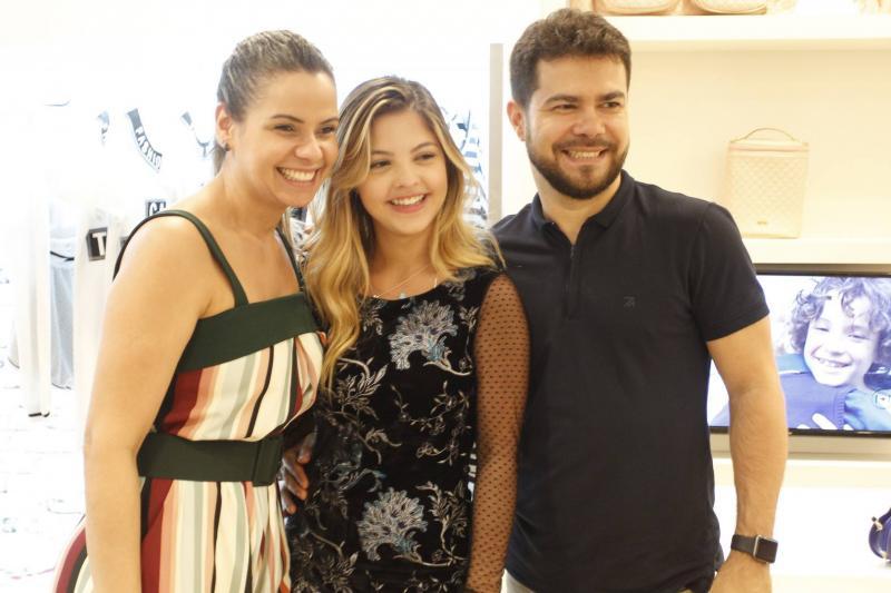 Percilia Correa, Julia Gomes e Vinicius Fernandes