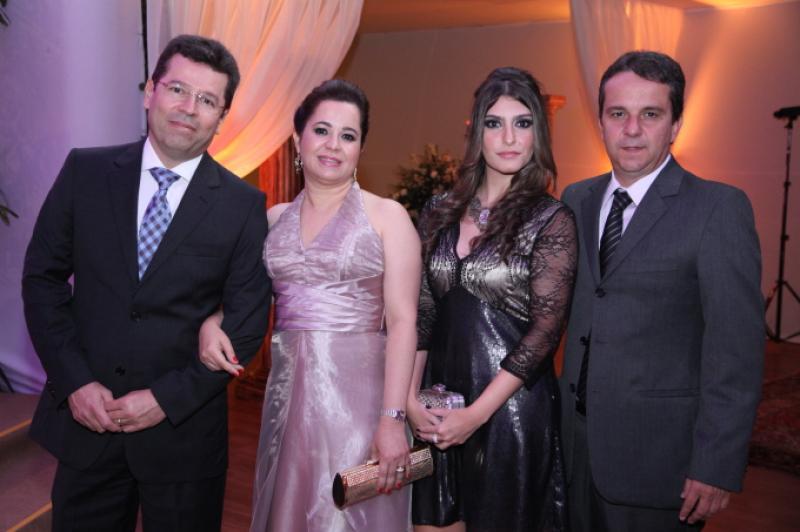 Fernando e Joselia Meneses, Roberta Caldas e Sergio Carvalho