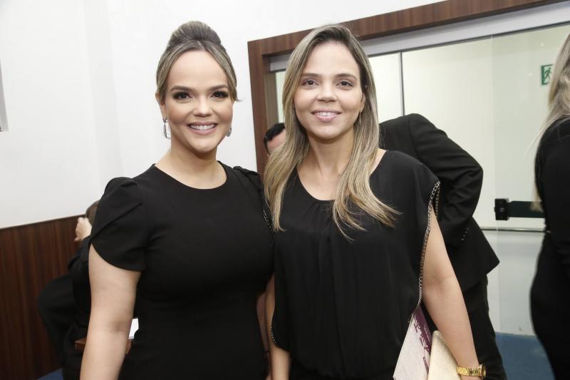 Keliane Benevides e Viviane Maciel