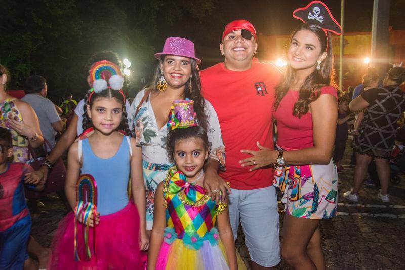 Lia Brito, Ana Morgana, Ana Clara, Francisco Bruno e Mayara Brito