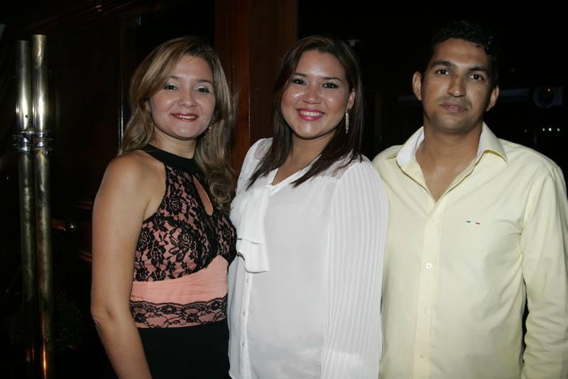 Jeane Braga, Ana Kelly e Eduardo Carvalho