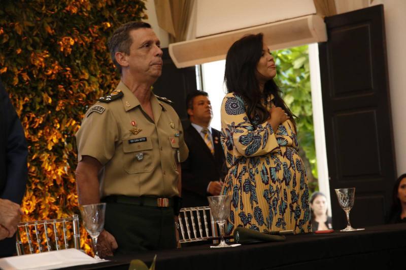 General Cunha Matos e Priscila Costa