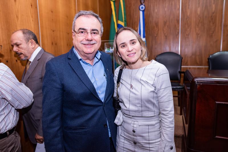 Assis Cavalcante e Fernanda Pacobahyba