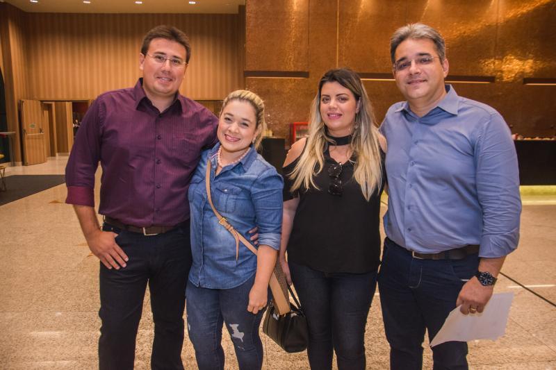 Valmir Filho, Luciana Couto, Valnelia Linhares e Rodrigo Linhares