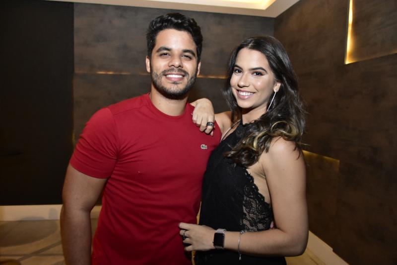 Luciano Filho e Sara Rosangelo