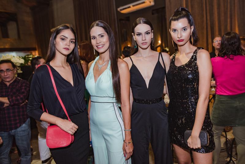 Sara Barroso, Jade Oliveira, Isabela Franklin e Eduarda Castro