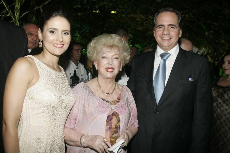 Yolanda Queiroz com Manuella e Ricardo Bacelar