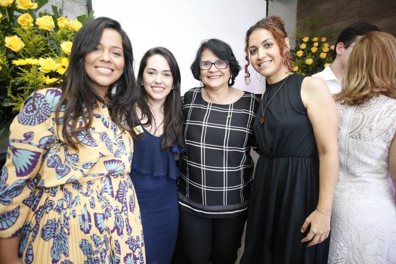 Priscila Costa, Carol Vasconcelos, Damares Alves e Evelane