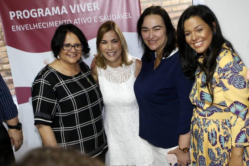 Damares Alves, Maira Pinheiro, e Priscila Costa