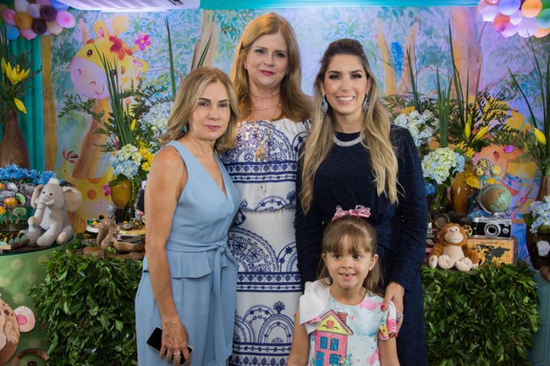 Anir, Glaucia, Georgeanne e Sofia Benevides,