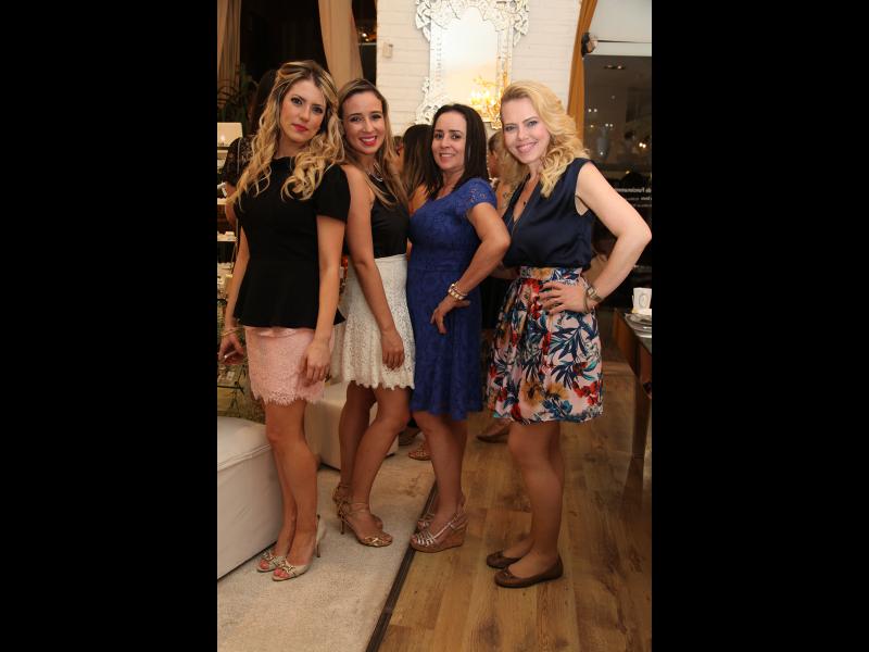 Raquel Macêdo, Vladia Borela, Regina Célia e Branca Mourão