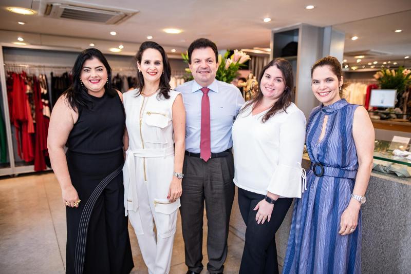 Viviane Almada, Adriana Miranda, Fernando Ferrer, Priscila Ferrer e Cristiana Carneiro