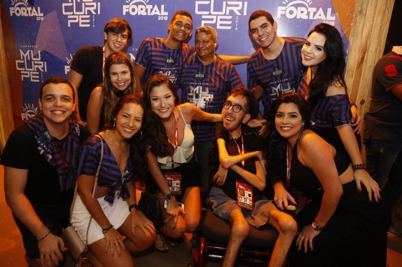 Tiago Pinto com Amigos