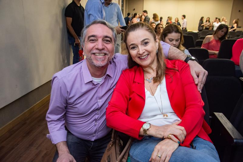 Mauro Costa e Helena Demis