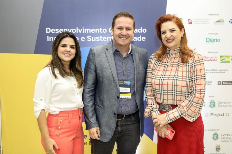 Livia Medeiros, Marcos Freitas e Enide Camara