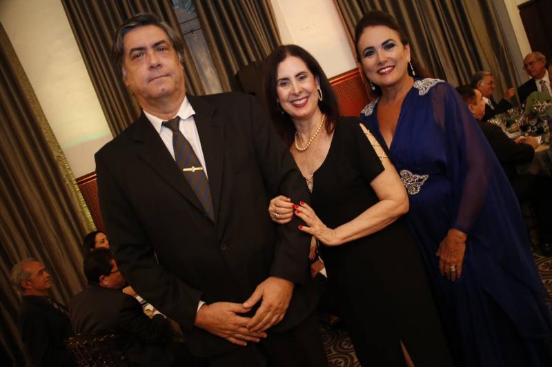 Hugo e Valeria Granjeiro e Ana Luiza Costa Lima