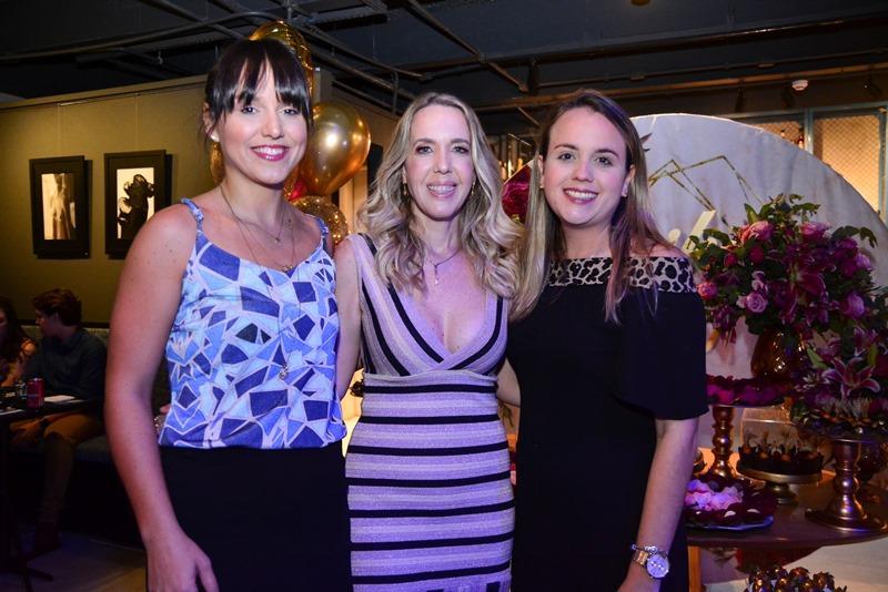 Aline Santana, Erika Figueiredo e Emmily Santana