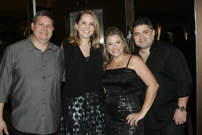 Robert e Rivana Santos, Vanessa e Mario Queiros