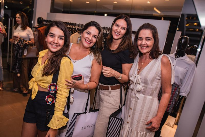 Maria Eduarda, Adriana Mota, Raquel Aragao e Giana Studart