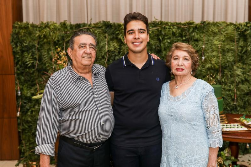 Vicente, Davi e Zilda Teixeira
