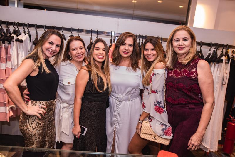 Adriana Queiroz, Ana Zelia Gadelha, Eduarda Gadelha, Martinha Assuncao, Nicole Gomes e Silvia Moraes