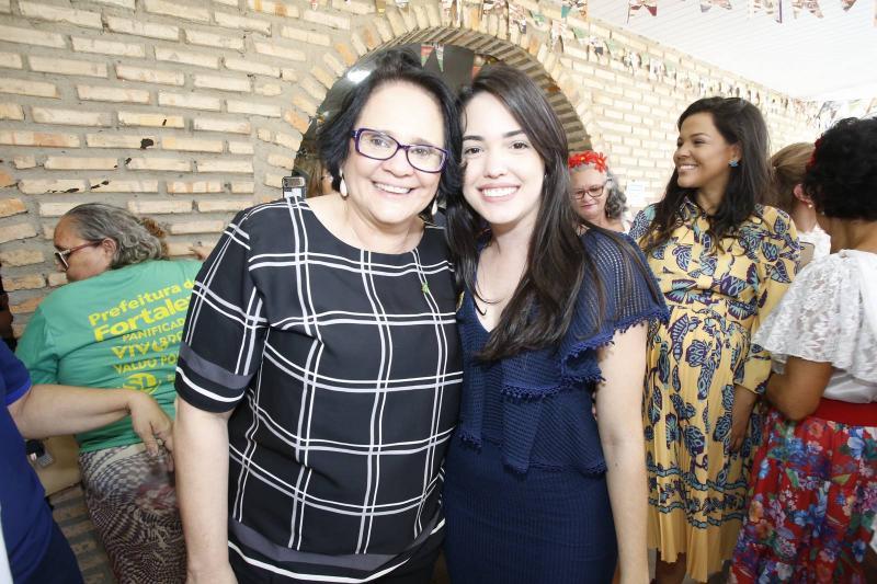 Damares Alves e Carol Vasconcelos