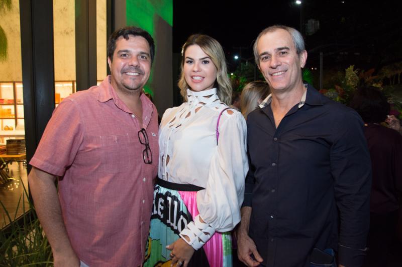 Rodrigo e Kelvia Almeida e Paulo Andre Salles