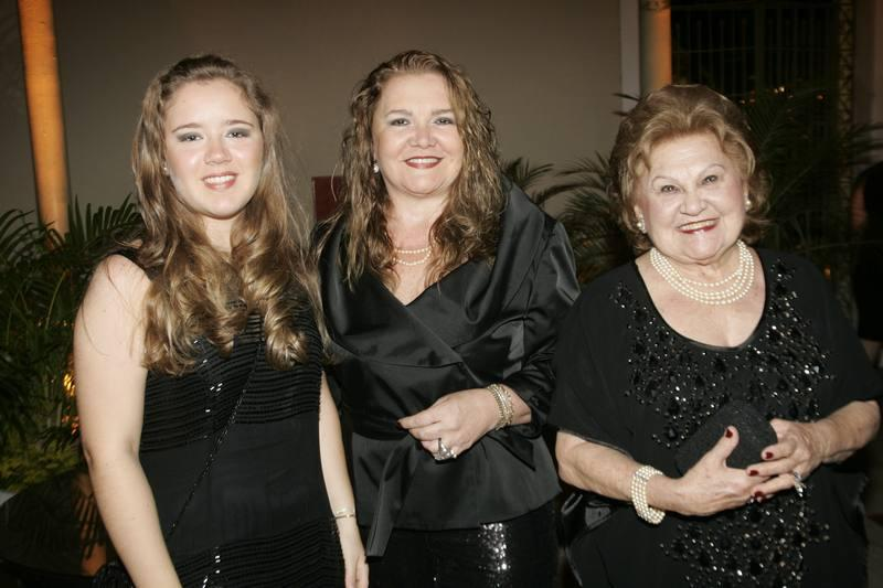 Isabella, Claudia e Ivone Reboucas