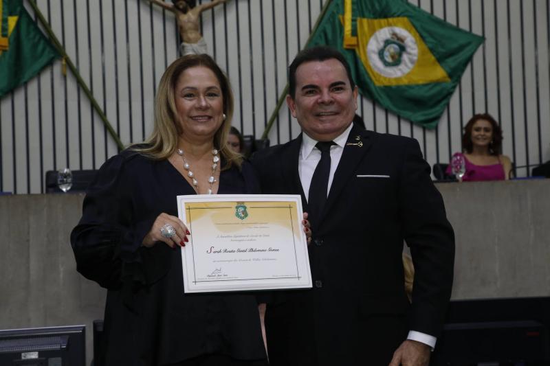 Sarinha Philomeno e Walker Santiago