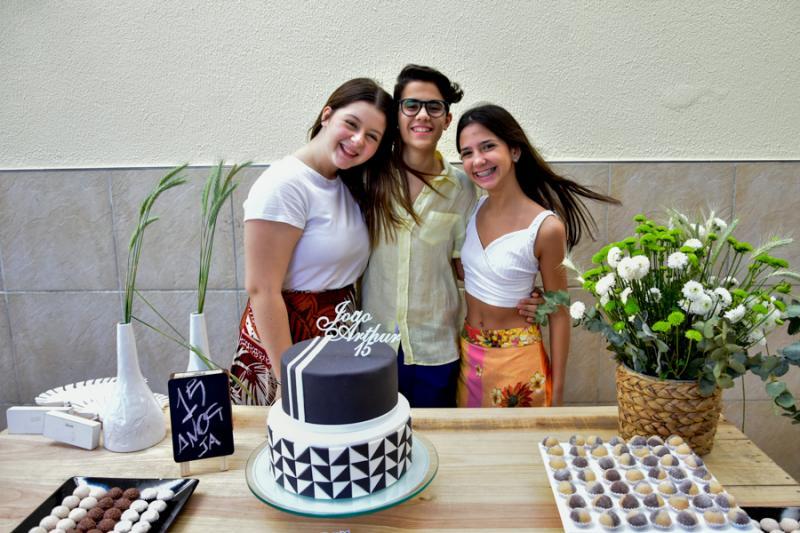 Vitoria Queiros, Joao Arthur e Nina Cavalcante