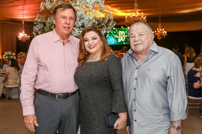 Jose e Jaqueline Simoes, Deib Otoch